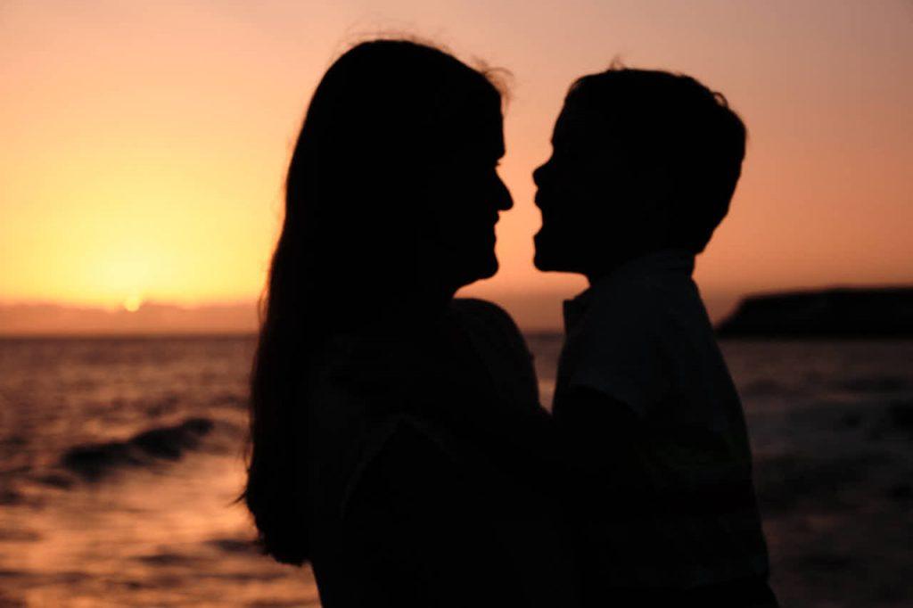 Mutter und Sohn genießen den Urlaub beim Shooting mit Deutscher Fotograf Teneriffa