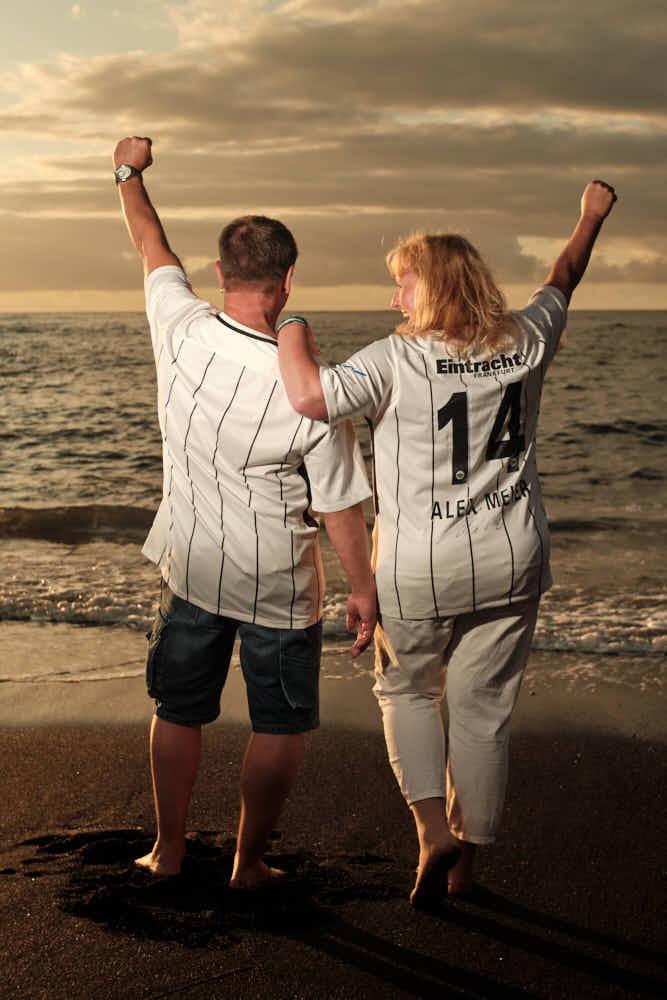 Deutscher Fotograf Kanaren macht Bilder von Paar am Strand anläßlich der silbernen Hochzeit