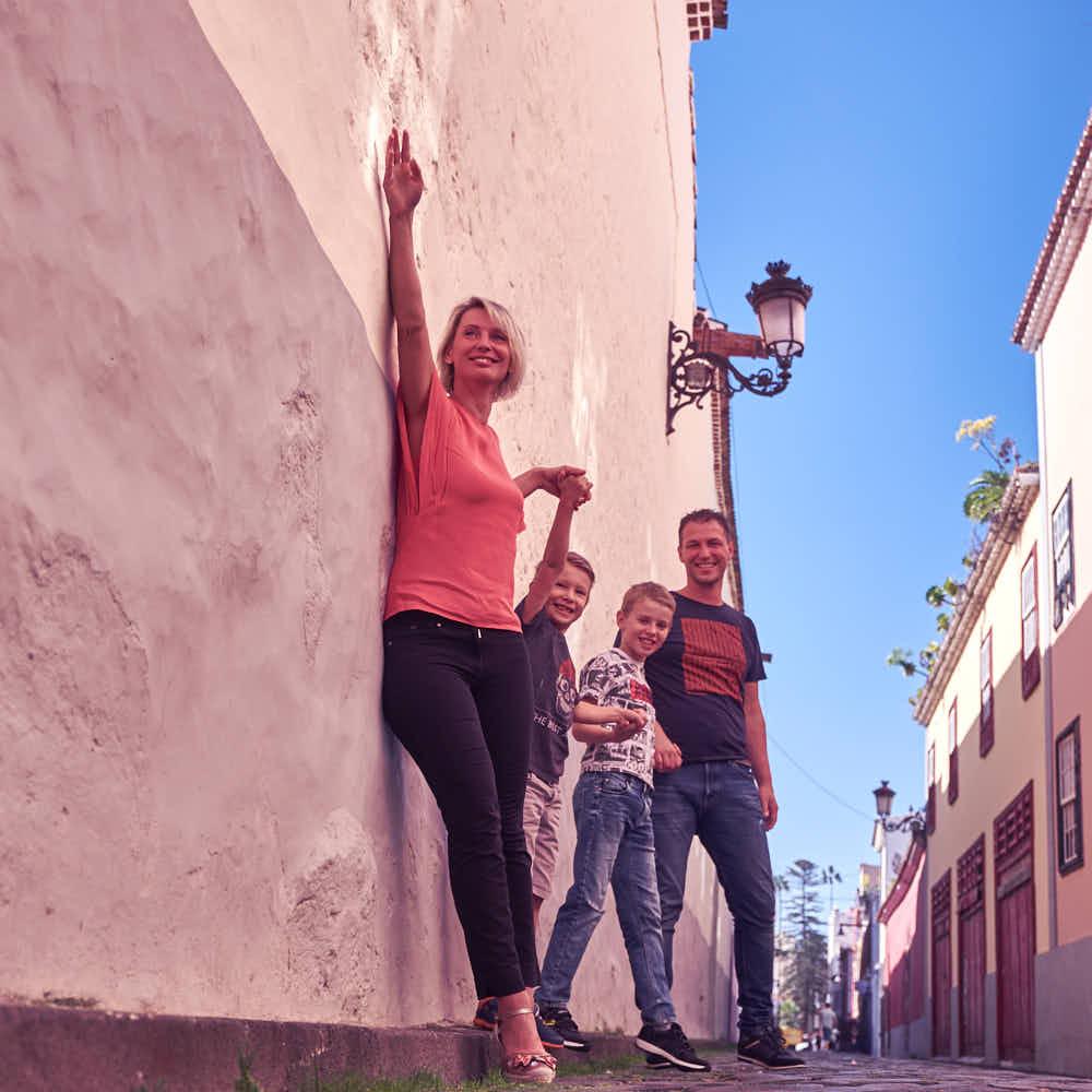 Deutscher Fotograf Ela und Chris fotografieren auf Teneriffa ein Fotoshooting Familie und Business
