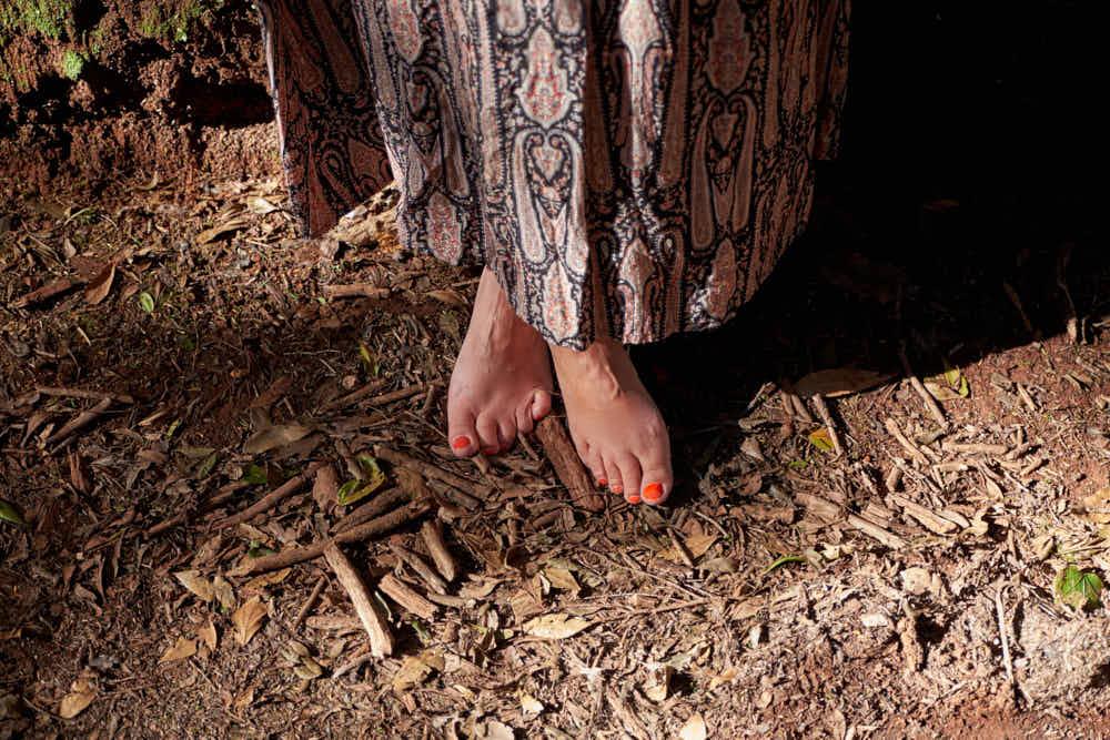 Fotograf Ela & Chris fotografiert Bilder vom Business auf Teneriffa in La Laguna, Anaga Gebirge und Punta de Hidalgo als barfuss Mädchen
