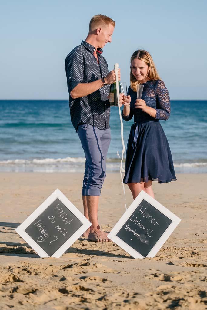 Deutscher Fotograf Kanaren Ela & Chris feiern Verlobung am Strand beim Shooting