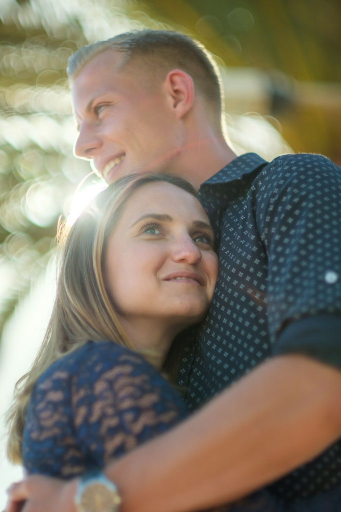 Bräutigam überrascht Bridetobe 2021 2022 mit Verlobung am Strand mit Ela & Chris Fotograf Fuerteventura