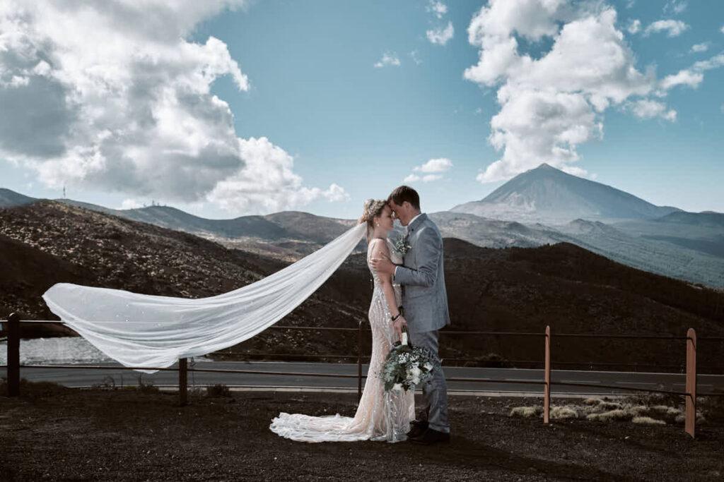 Fotograf Ela und Chris fotografieren auf Teneriffa das Afterwedding und die Hochzeitsreise unterhalb des Teide