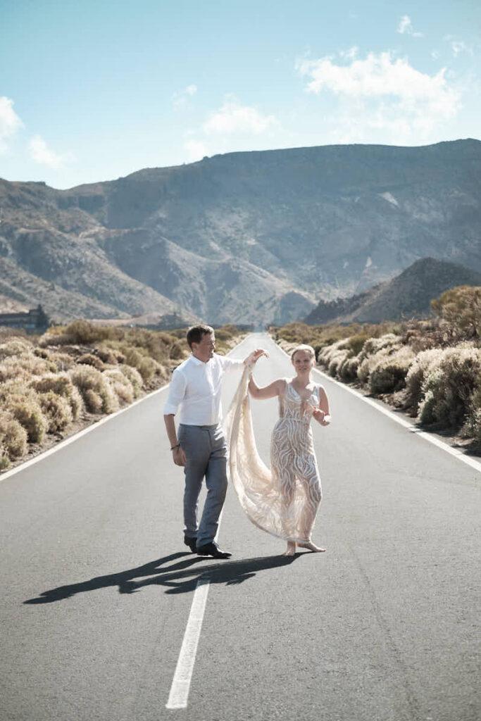 Deutscher Fotograf Ela und Chris Teneriffa fotografieren Hochzeitspaar beim Afterwedding in der Hochzeitsreise