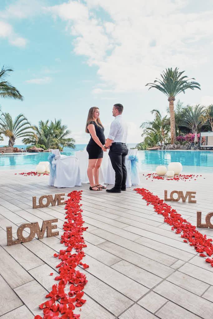 Er fragt sie beim Heiratsantrag mit Fotograf Teneriffa Ela & Chris ob sie ihn heiraten möchte