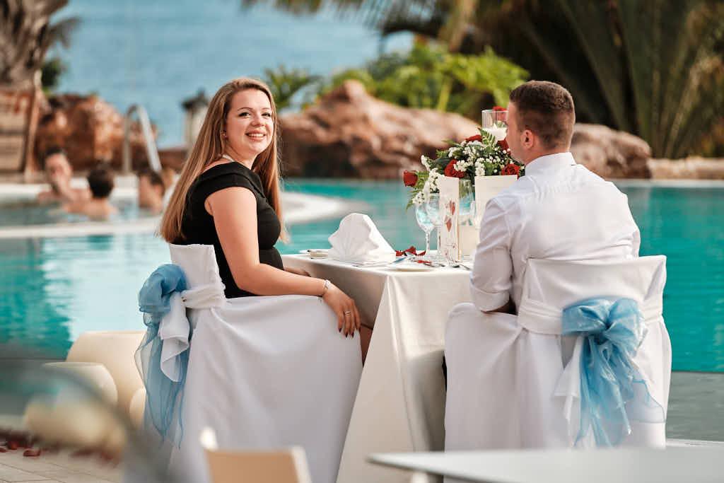 Nach dem Heiratsantrag mit Deutscher Fotograf Ela und Chris wird fürstlich diniert