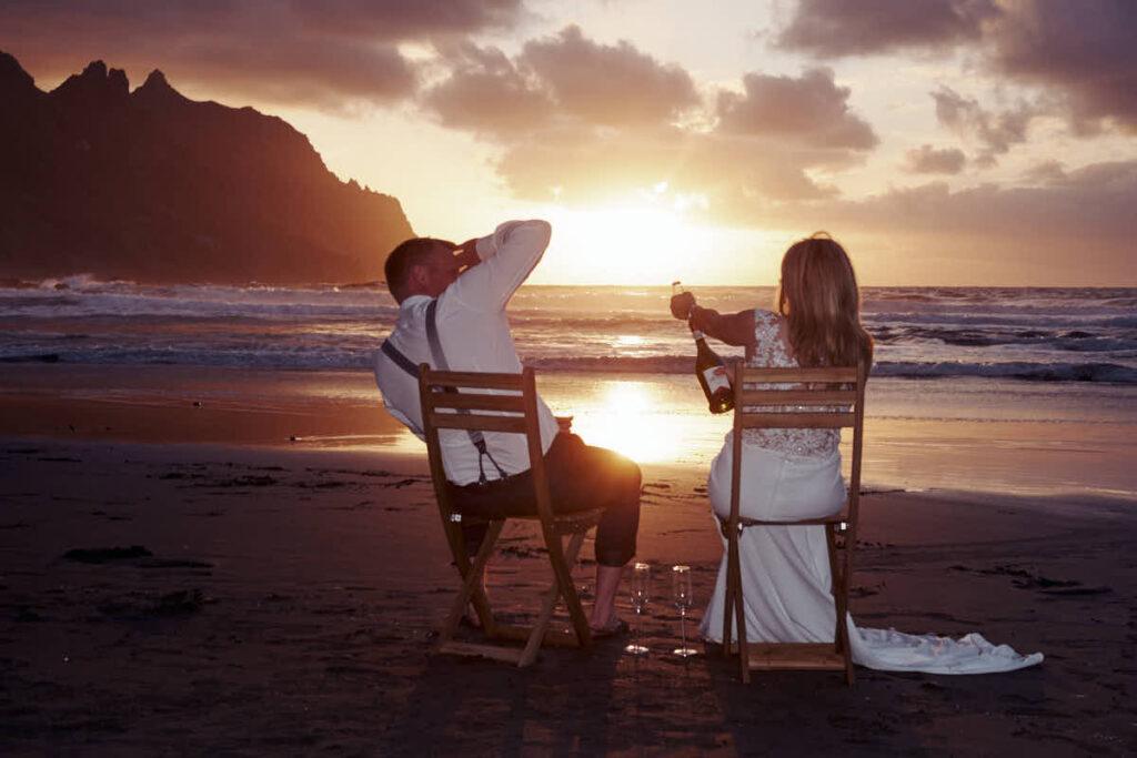 Ein Fotoshooting auf Teneriffa mit Fotograf Ela und Chris als Hochzeitsreise und Afterwedding Shooting