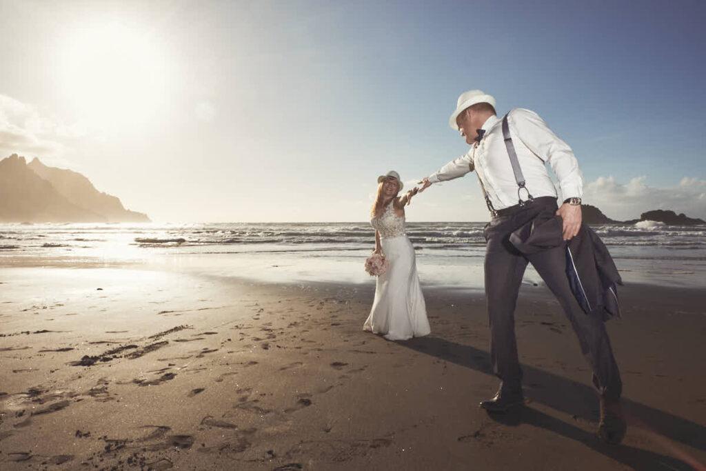 Deutscher Fotograf Ela und Chris auf Teneriffa fotografiert Afterwedding und Hochzeitsreise als Fotoshooting am Strand und im Gebirge oder wo auch immer ihr mögt