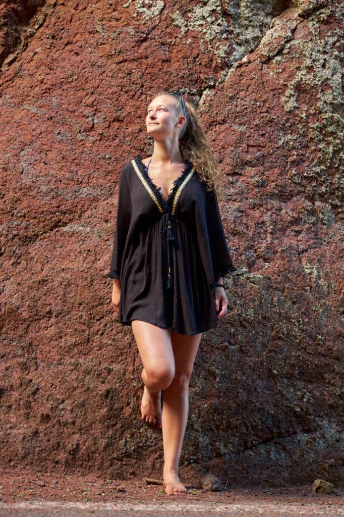 Single genießt das Fotoshooting mit Ela & Chris auf Teneriffa im Gebirge