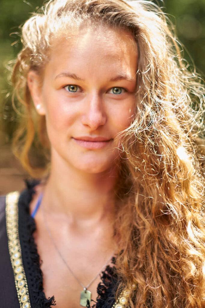 Single ist beim Portrait im Urlaub auf Teneriffa beim Fotoshooting mit Deutscher Fotograf Ela und Chris