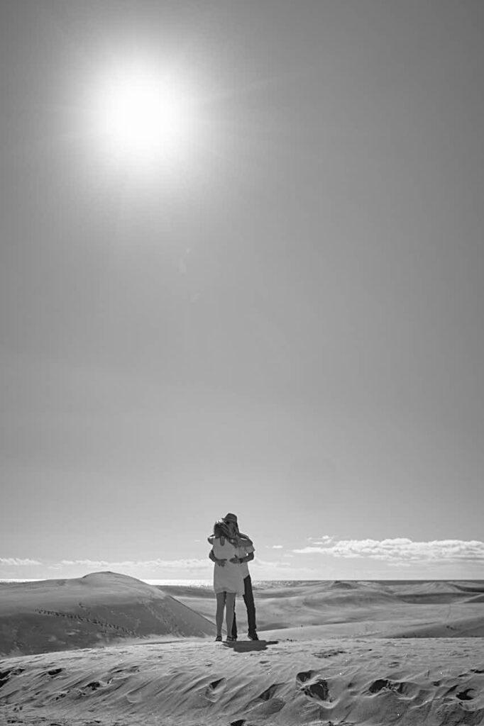 Deutscher Fotograf Ela & Chris macht Fotos von einem Paar auf Gran Canaria in Maspalomas in den Dünen und an der Küste