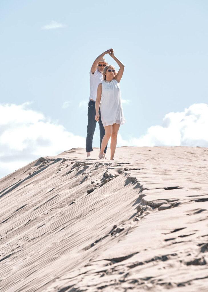 Bilder von von einem Paar fotografiert Fotograf Ela & Chris beim Fotoshooting auf Gran Canaria in Maspalomas in den Dünen und an der Küste