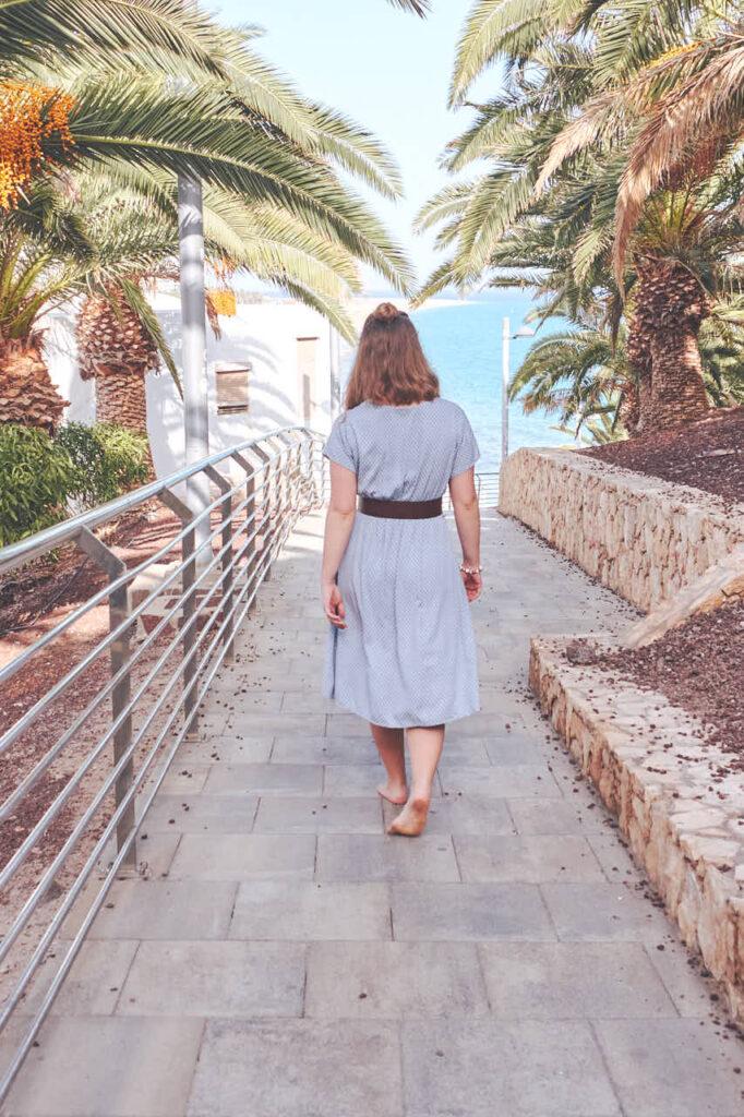 Freundinnen Fotos macht Deutscher Fotograf Ela & Chris beim Fotoshooting auf Fuerteventura in Morro Jable in David Hamilton Blur barfuss