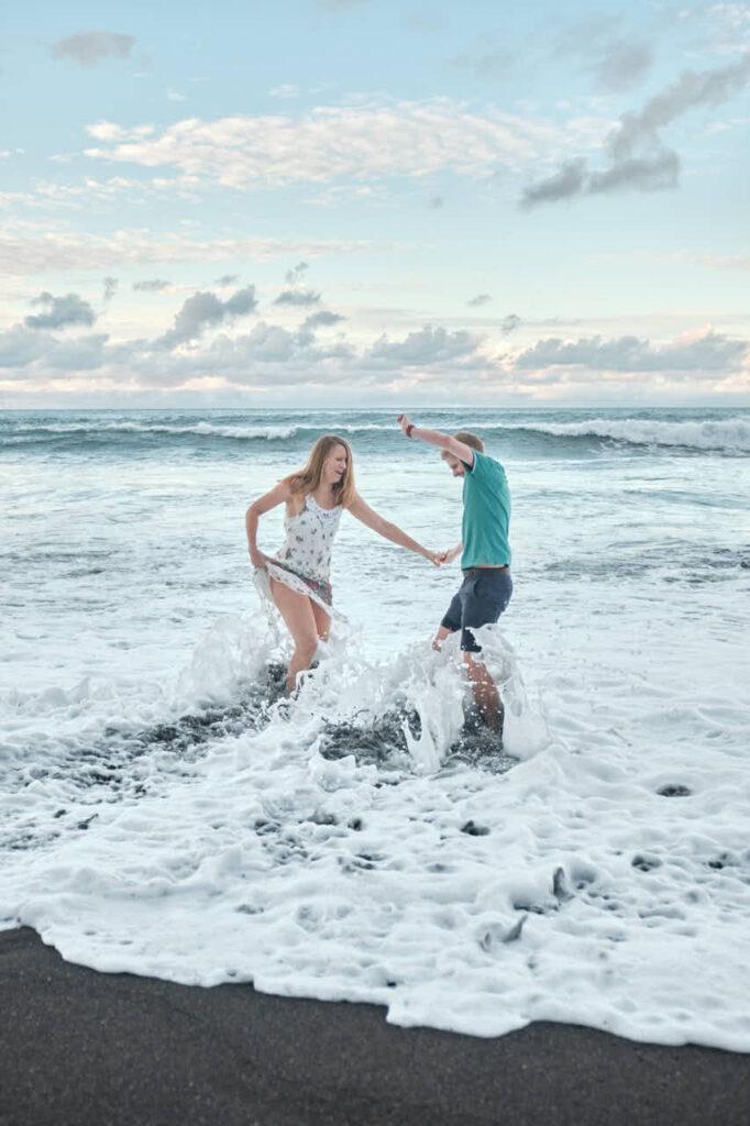 Paar Fotos fotografiert Deutscher Fotograf Ela & Chris beim Fotoshooting auf Teneriffa in Puerto de la Cruz an der Playa de Jardin
