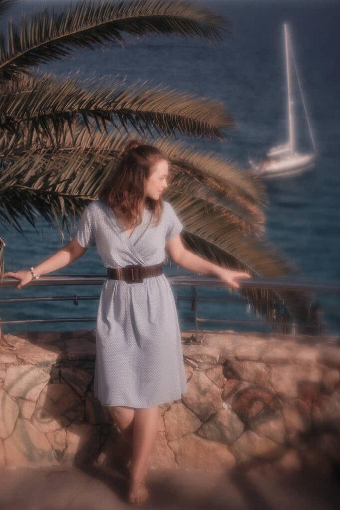 Bilder von Freundinnen macht Deutscher Fotograf Ela & Chris beim Fotoshooting auf Fuerteventura in Morro Jable in David Hamilton Blur barfuss