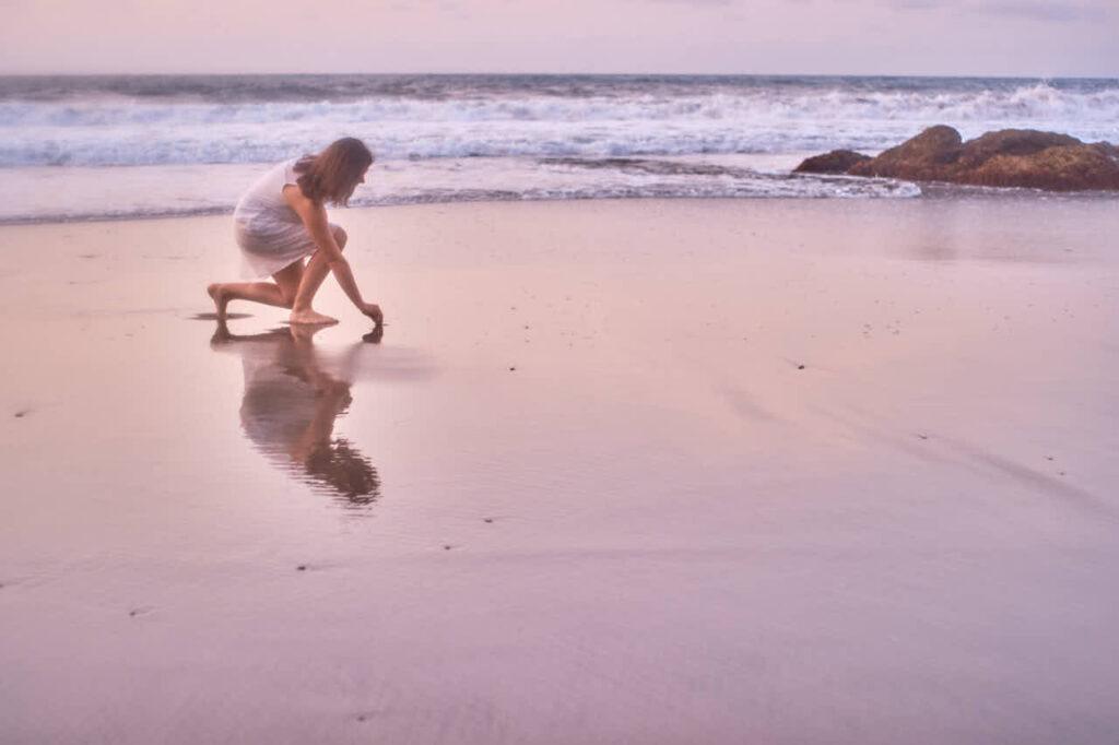 Beim Fotoshooting auf Teneriffa fotografiert Deutscher Fotograf Ela & Chris Paar Fotos in Anaga Gebirge an der Playa de Benijo im David Hamilton Blur