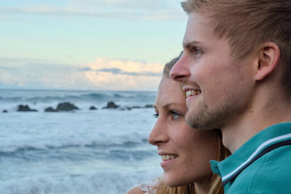 Paar Bilder fotografiert Fotograf Ela & Chris beim Fotoshooting auf Teneriffa in Puerto de la Cruz an der Playa de Jardin